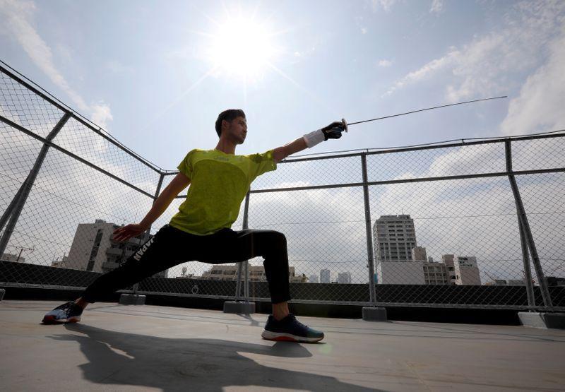 備戰奧運 日本擊劍選手當Uber Eats外送員